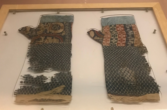 Can't believe how long textiles can survive in the right conditions. Gloves stitched together from a patchwork of different silk brocade fabrics, Han to Jin dynasty, Xinjiang Museum collection.
