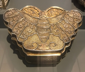 Silver filigree trinket box in butterfly form, late 18th to early 19th century from the K.L. Leung Collection of Export Art.