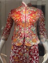 Beautiful wedding outfit - 龍鳳褂 (龙凤褂 longfeng gua)